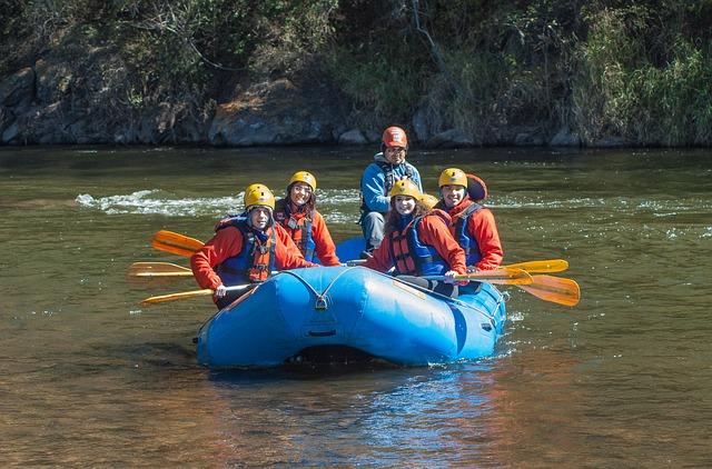 rafting-168007_640